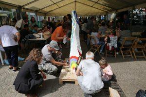 Atelier menhir avec les artistes bretons
